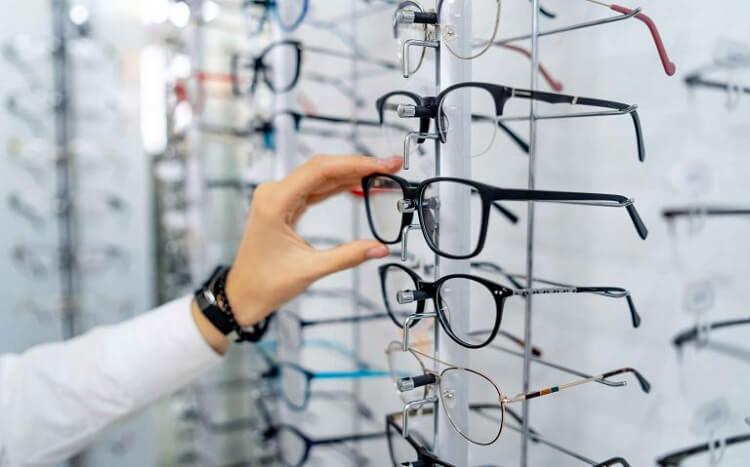 نرم افزار حسابداری عینک فروشی و عینک سازی هلو